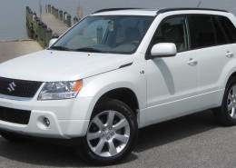 2010_Suzuki_Grand_Vitara_Limited_2_--_05-12-2010